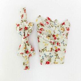 Blomstret butterfly og lommetørklæde
