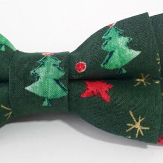 Grøn jule-butterfly med juletræer