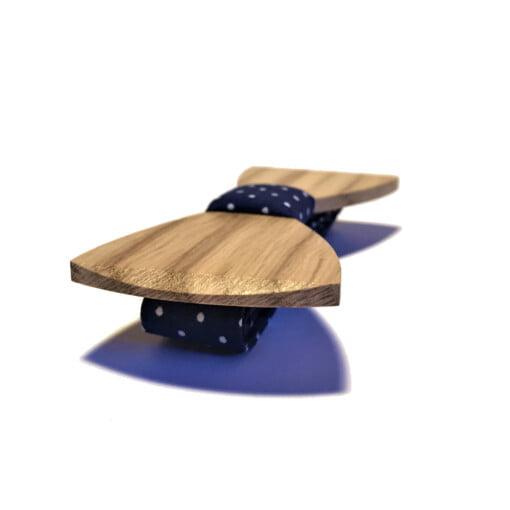 Træbutterfly med manchetknapper i lyst træ