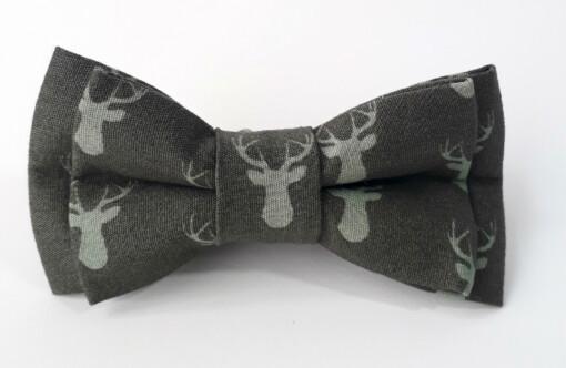 Mørkegrå jule-butterfly med rensdyr