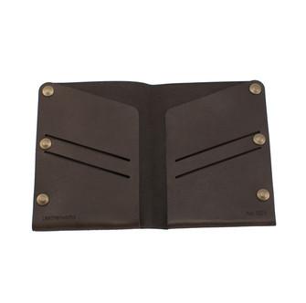 Mørkebrun læderpung med gravering 5